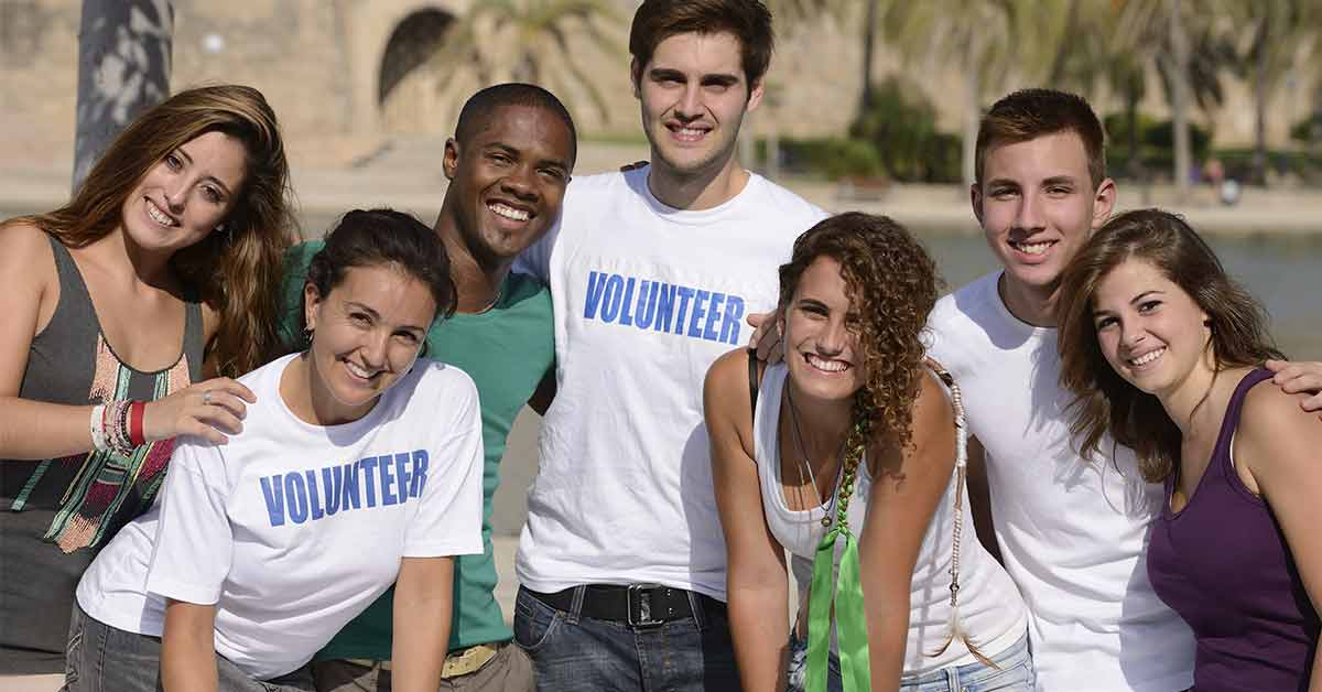 20 Ways to Help Out Through Community Service and Involvement