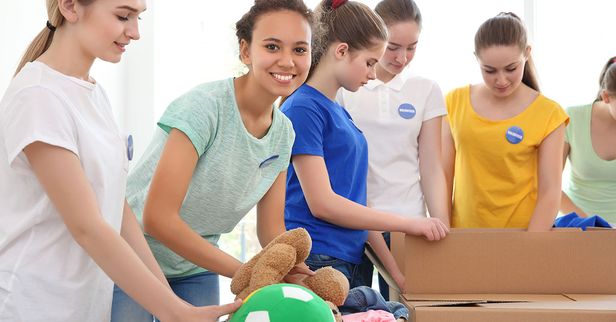 10 Practical Ways for Teens to Get Involved in Community Service